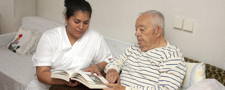 Une prime pour les agents exerçant auprès des personnes âgées